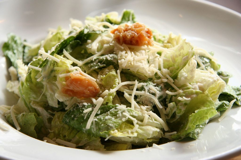 This image has an empty alt attribute; its file name is Caesar_salad_2-1024x682.jpg