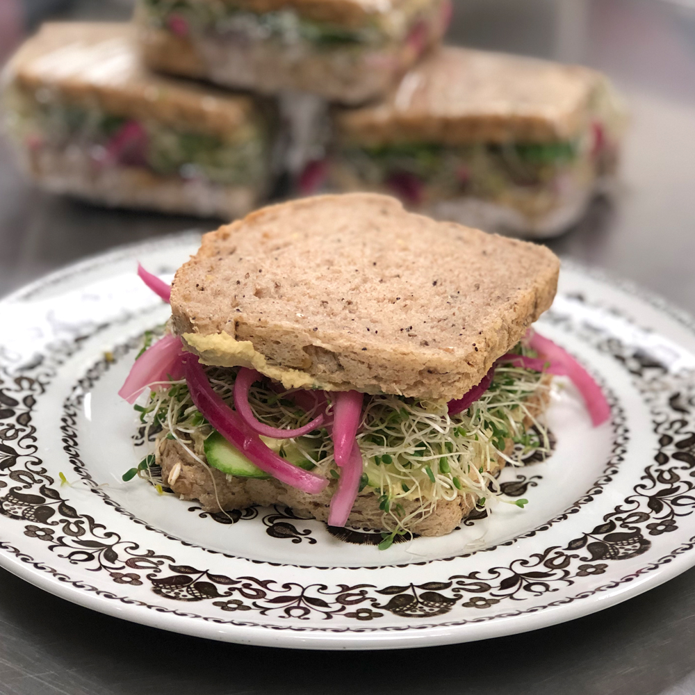 This image has an empty alt attribute; its file name is hummus-veggie-sammy-1.jpg